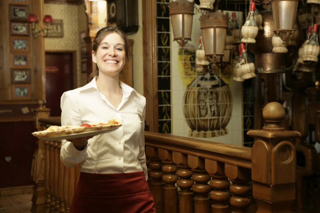 Camarera La Tagliatella - Restaurante italiano