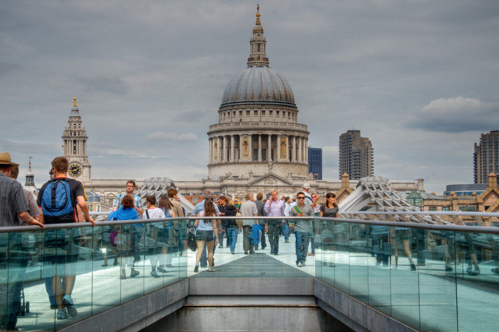 Londres, Millenium Bridge catedral san pablo