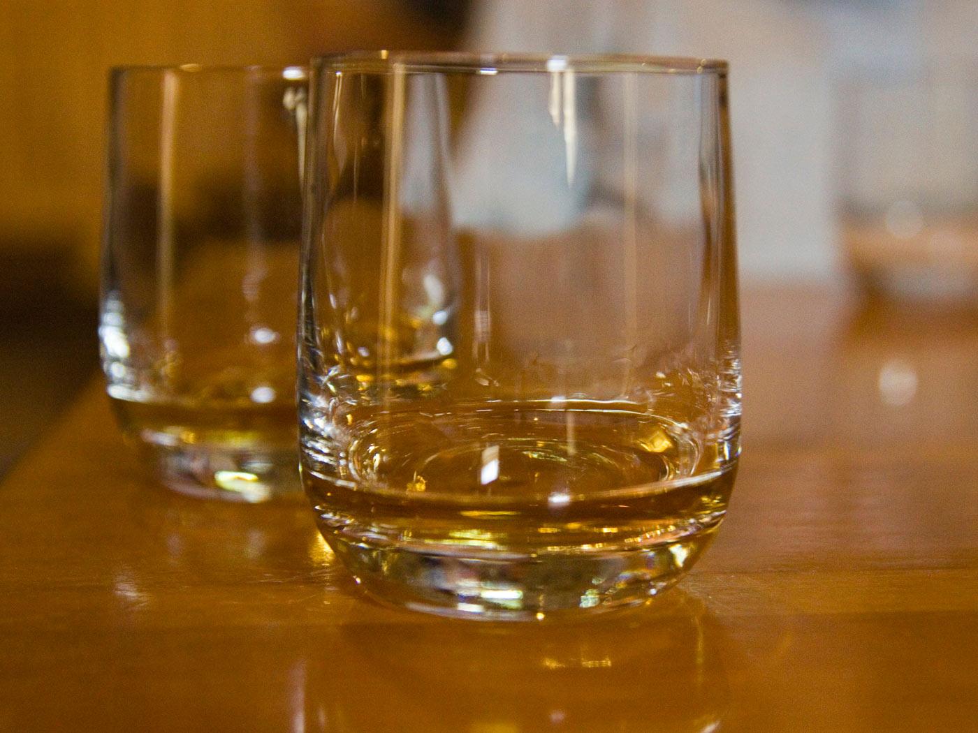 elegir-whisky-vaso