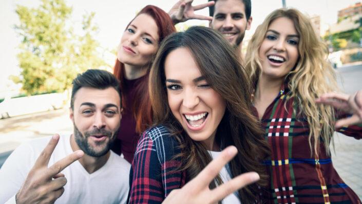 personas felices
